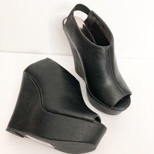 New Madden Girl Wallup peep toe wedge black